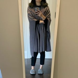 Zara grey long cape with fur